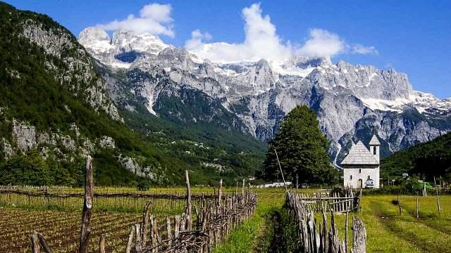monti in albania
