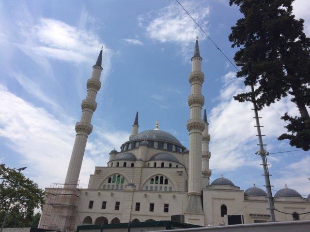 moschea al centro di tirana