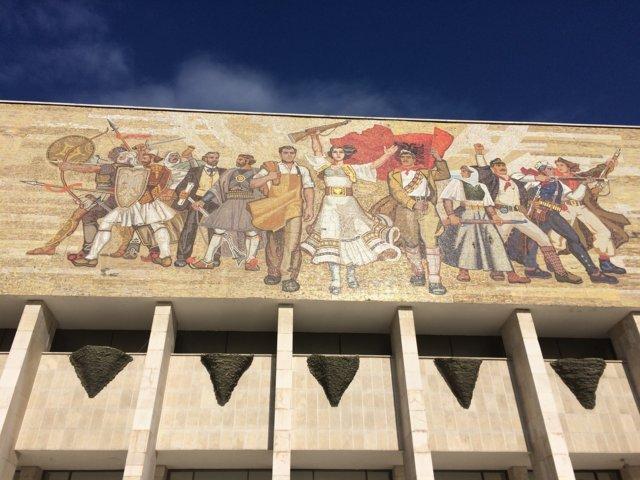 visitare il museo nazionale a tirana