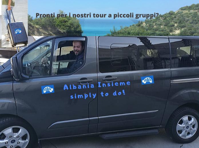 Guida turistica sul minivan per tour in piccoli gruppi